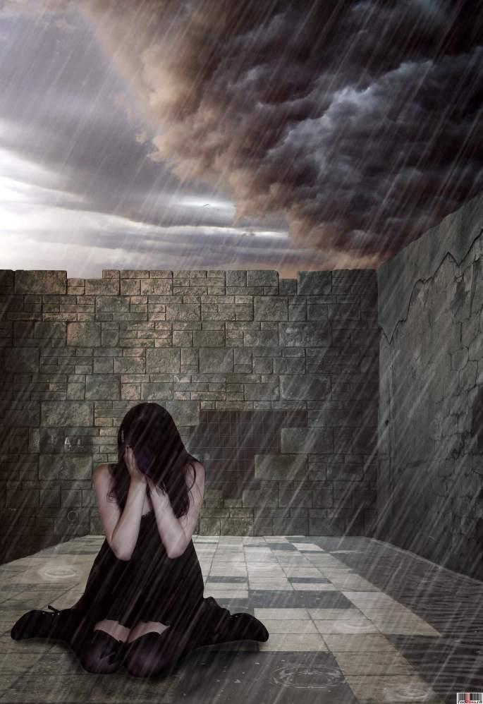 poza-trista_singura-in-ploaie